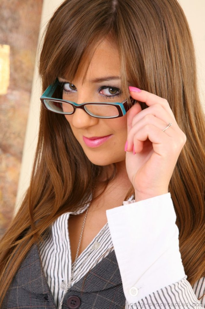 Only Secretaries Cate Harrington-1